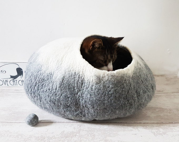 Pet Bed / Cat Bed / CatCave / Cat Cocoon / Cat House/ Ideal Cat lover gift in grey white with Free Cat Ball
