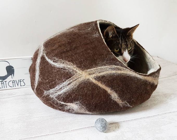 Cat Bed / Cat Cave / Cat House / Cat nap cocoon / Cat lover gift Brown and white marble effect