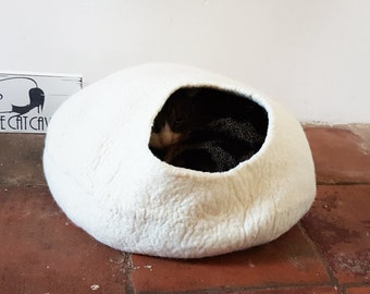 Cat Bed Cave Cocoon natural white