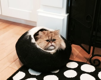 Larger sizes Cat Bed Cat Cave with Free Ball Black darkness