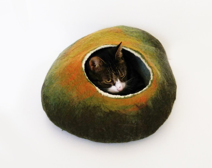 Featured listing image: Cat Bed, Cat Cave, Pet cat bedding Felted Wool autumn fall inspired ideal cat lovers gift