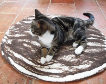 Cat Bed, Cat Mat, Pet Bed rug handmade 100% wool
