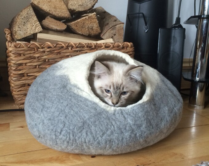 Cat Bed Cat Cave Cat House Igloo Natural Grey and White  Felted larger size with Free ball