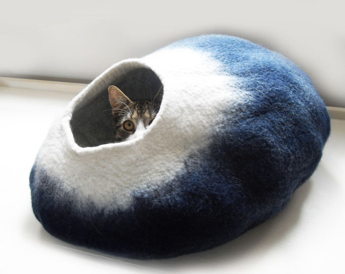 Cat Bed Cat Cave House Midnight Moon wool cat nap cocoon cat lover gift