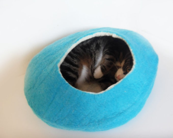 Cat Bed Cave Cat Nap Cocoon Teal Cat Bedding handmade from felted merino wool