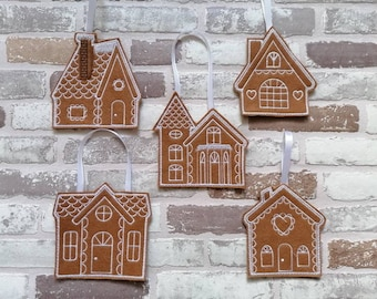 Gingerbread houses Set of 5 hanging Christmas decorations. Scandi Christmas decorations, scandi tree decorations