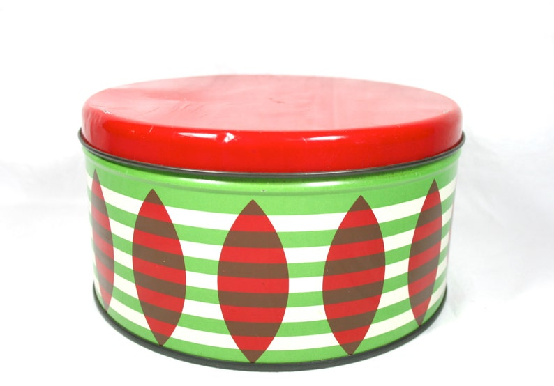 Small Red Decorative Box With Lid Cookie Tin Old Metal Box Round Biscuit Tin Gift Box Large