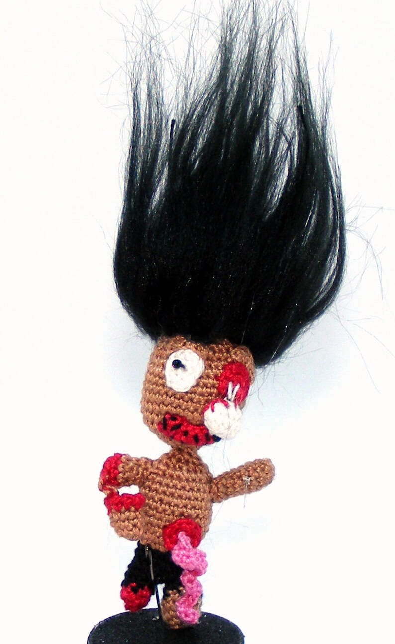Halloween Stump 3  Crochet Zombie Dismembered Hand Ghoulish Crazy Hair Eyeball Guts Walking Dead