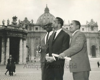 Sugar Ray Robinson boxer actor singer in St. Peters Rome Italy vintage photo
