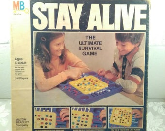 1978 STAY ALIVE Strategy Game, Milton Bradley, Board Game