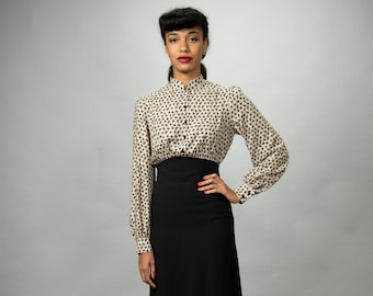 Elegant day dress with stand-up collar