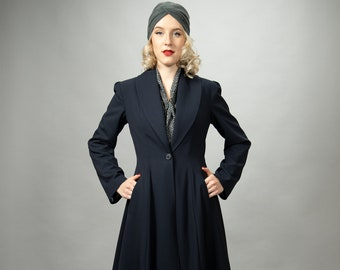 Waisted swinging coat in the style of the 40s