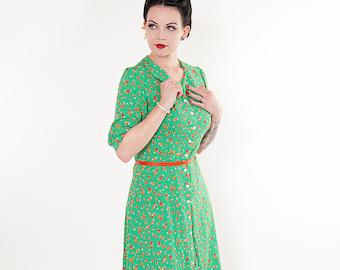 40s dress with Peter Pan collar