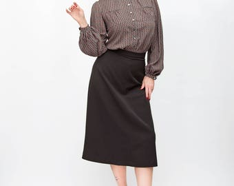 fladed skirt in the style of the 40s