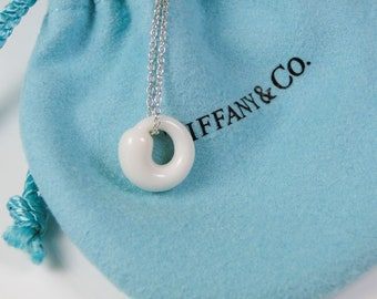Tiffany & Co Peretti White Chalcedony Eternal Circle Sterling Necklace MINT