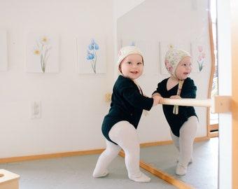 Montessori Pull Up Bar for Infants