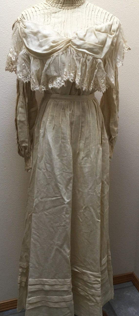 Edwardian Ivory Color Cotton And Lace Wedding Dres