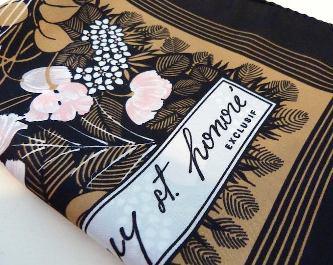 Guy St-Honoré big floral print square scarf