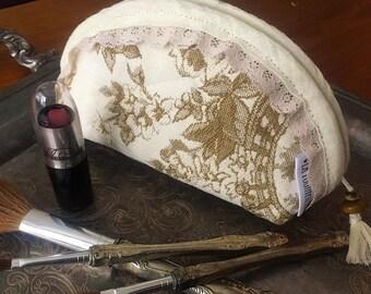 Handmade makeup pouch - vintage fabric, waterproof lining