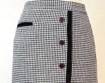 Black & white woolen houndstooth skirt