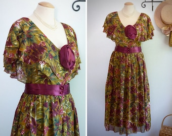 Granny chic long retro bouffant dress