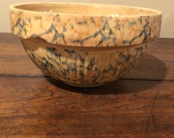 """Antique Redwing spongeware - panel -9"""" mixing bowl"""