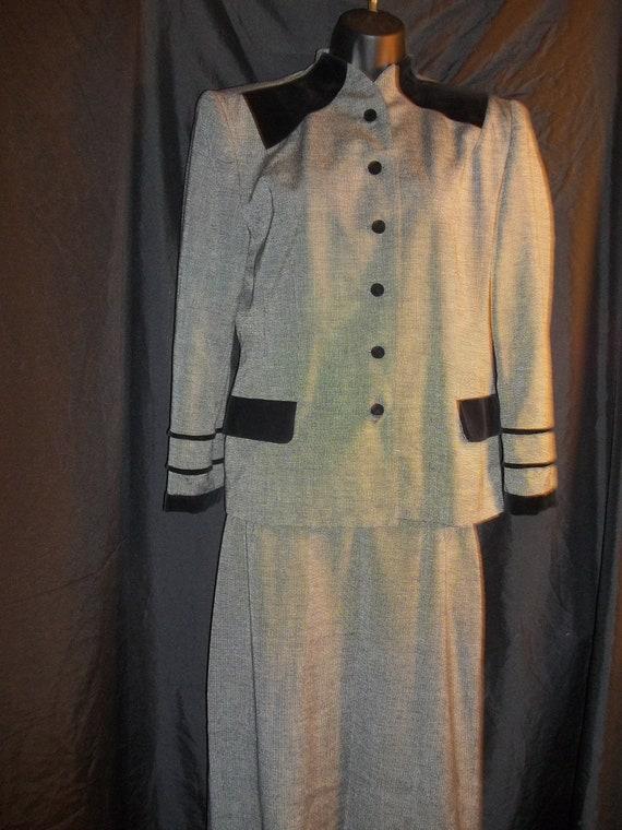 Vintage George Simonton Size 8 Pant Suit, Black &