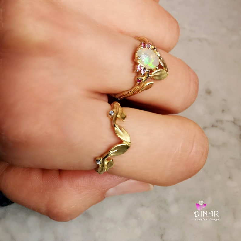 gold twig ring with leaves contour chevron leaf diamond 14k gold ring Curved leaves twig wedding ring branch arc V ring