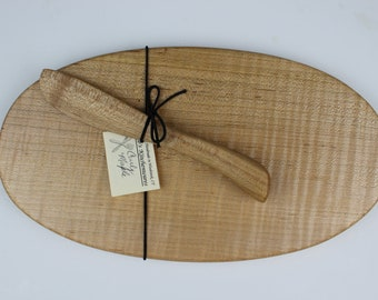 Oval Cheese Board and Knife Set In Curly Maple
