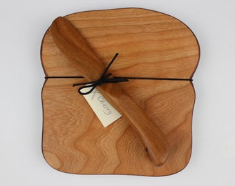 Toast with Crust Board and Cheese Knife Set in Cherry