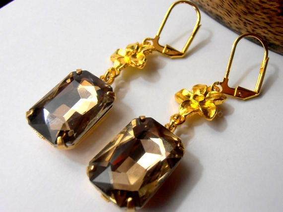 SALE ITEM, 13x18mm, Austrian Light Coffee Crystals, Vintage Rectangular Rhinestones, Golden setting, leverback, Drop, dangle earrings