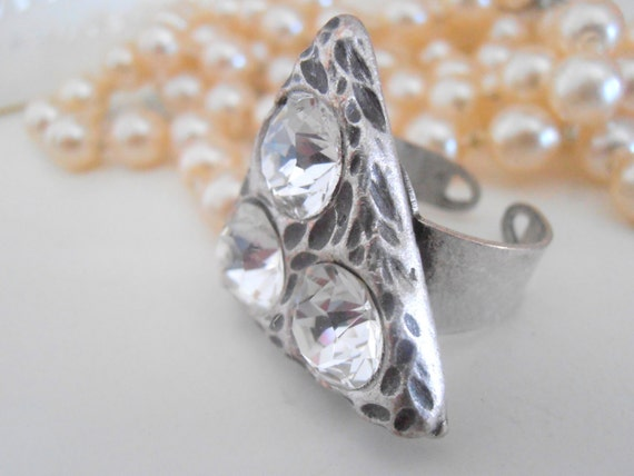 Pyramid adjustable Crystal Ring w/ Swarovski • Antique jewelry