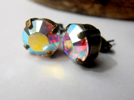 Aurora Borealis Swarovski Stud Earrings / Pierced Post  / Antique Bronze Vintage / Wedding Jewelry Accessories / Bridal Fashion Earrings
