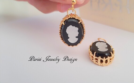 Black Cameo Crystal Earrings / Victorian Filigree Gold Jewelry
