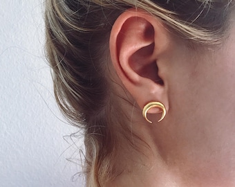 Moon earrings,gold earrings,Studs earrings,gold Moon earrings,Gold crescent horns earrings,Taurus earrings,crescent moon earrings,wiccan