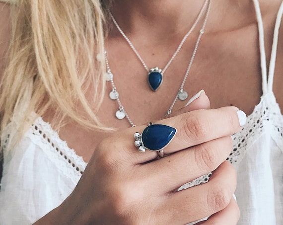 Lapis lazuli ring,sterling silver ring,deep blue ring,drop tear ring,blue lapis ring,boho ring,raw stone ring,big boho ring,lapis jewelry
