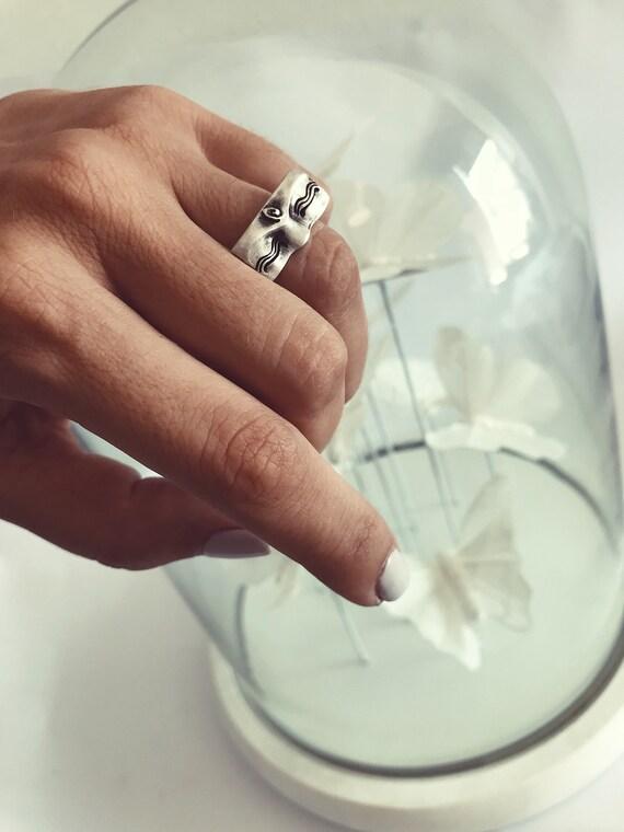 Buddha ring,Buddha eyes ring,sterling silver ring,spiritual ring,zen ring,silver 925 ring,eye ring,Buddha ring,little Buddha ring,yoga ring