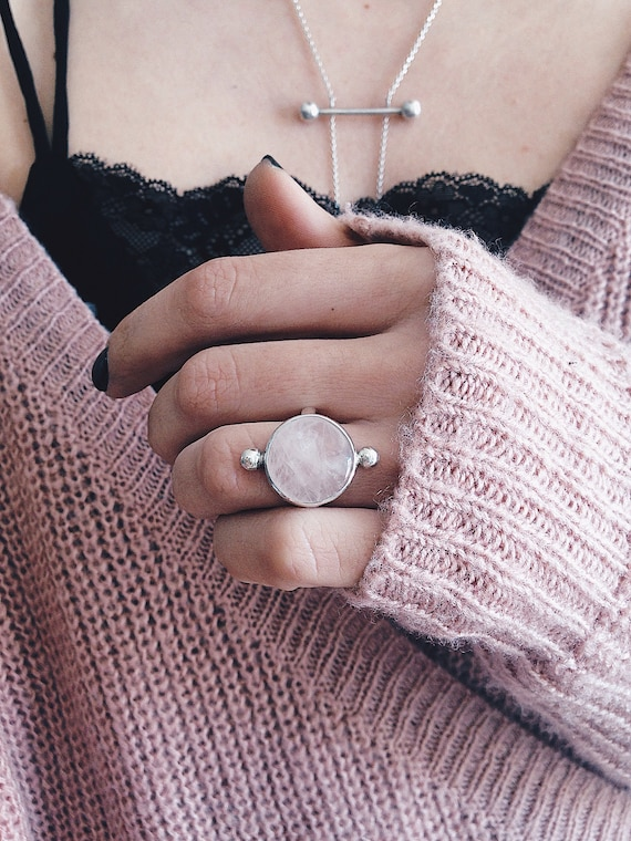 Sterling Silver ring,rose quartz ring, ring,crystal ring,pink crystal ring,minimalist ring,silver 925,solid silver ring,boho ring,round ring
