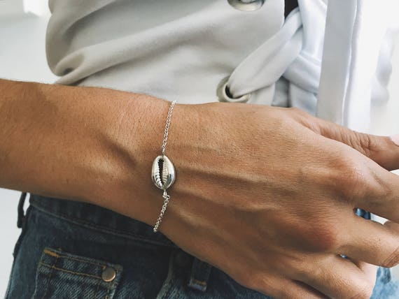 Silver shell bracelet,gold shell bracelet,cowrie bracelet,gold cowrie bracelet,silver cowrie bracelet,Sterling silver bracelet,mermaid