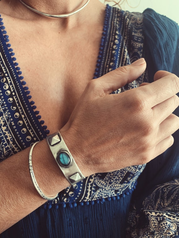 Silver bracelet,labradorite bracelet,silver bangle,silver cuff,solid silver bracelet,blue labradorite bracelet,gem stone bracelet
