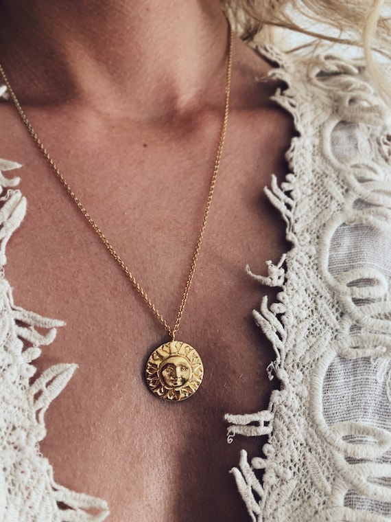 Gold sun necklace,sun face necklace,gold layered necklace,golden sun necklace,round necklace,coin necklace,disc necklace,sunny necklace,boho