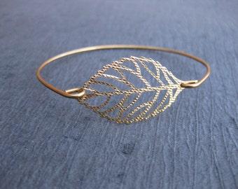 Leaves bracelet Leaf bracelet Gold bracelet Pearls bracelet Leaves bracelet gold Bridesmaid gift Floral bracelet Gold leaf bracelet 954.