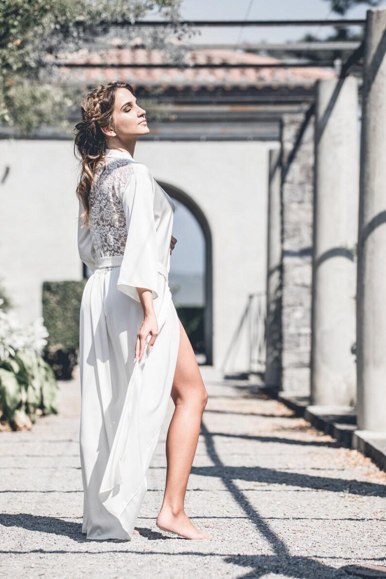 78de779b394a Sposa Robe   Raso e pizzo abito   Off bianco vestito di raso