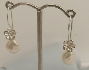 Handmade sterling silver pearl drop earrings #ivory pearl #keishi pearls #dangle earrings #minimalist #contemporary #pearl  #northernireland