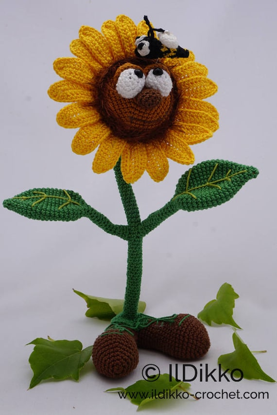 DIY Crochet Sunflower in a Pot - | 853x570