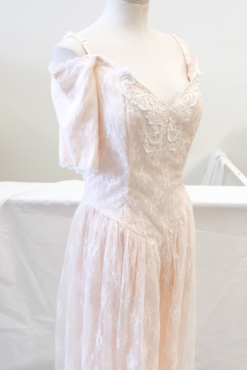 a87fed5f1a98 1980 s Vintage Pale Pink Lace Prom Dress From Gunne Sax by