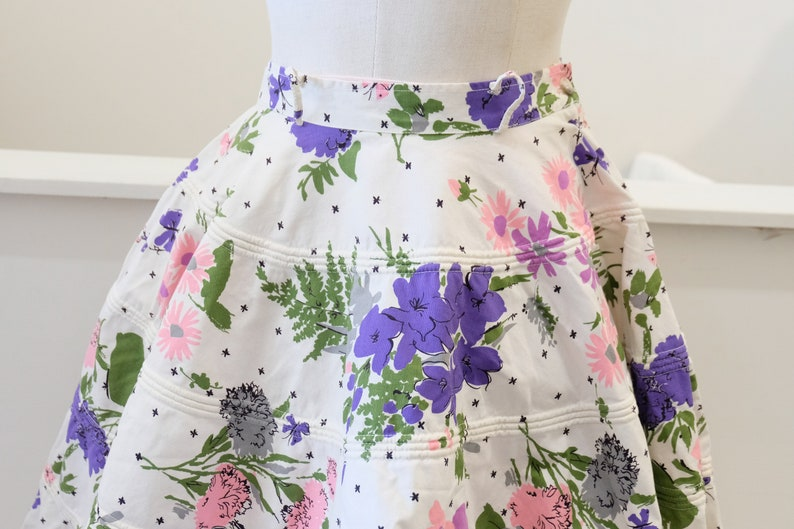 1950/'s Vintage Six Tiered Full Circle Skirt Cotton Large Floral Bouquet Print Skirt  27 waist 29 length Perfect for formal Cocktail Look!