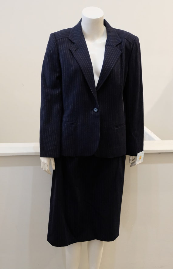 1980's Vintage WOMENS' Navy Pinstripe Wool Suit Si