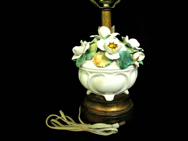 Boudoir Lamp Porcelain Flowers Sculpted Flowers Urn with image 0