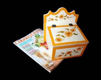 Vintage Wooden Recipe Box, Hand Painted Daisies, Large Recipe Box, Flip Top, Large Heavy, Farmhouse Cottage Decor, Kitchen Decor
